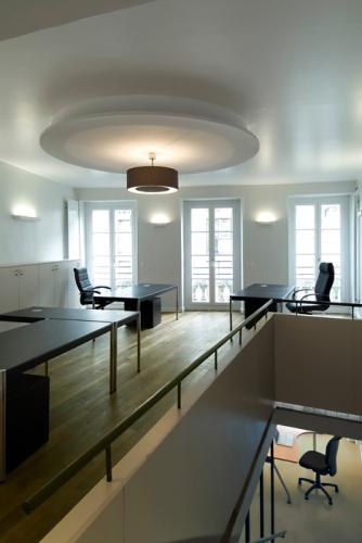 Agence immobilière, Paris XIe : 6-TRA-12bas