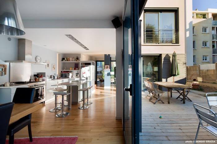 Maison contemporaine : IC R ECR 2011-09-28_0470