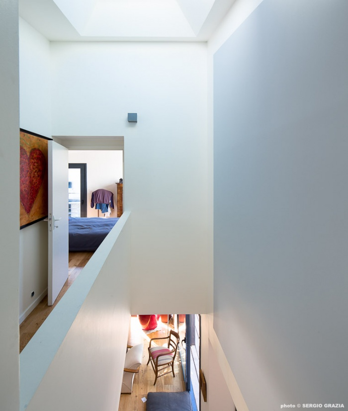 Maison contemporaine : IC R ECR 2011-09-28_0177 T