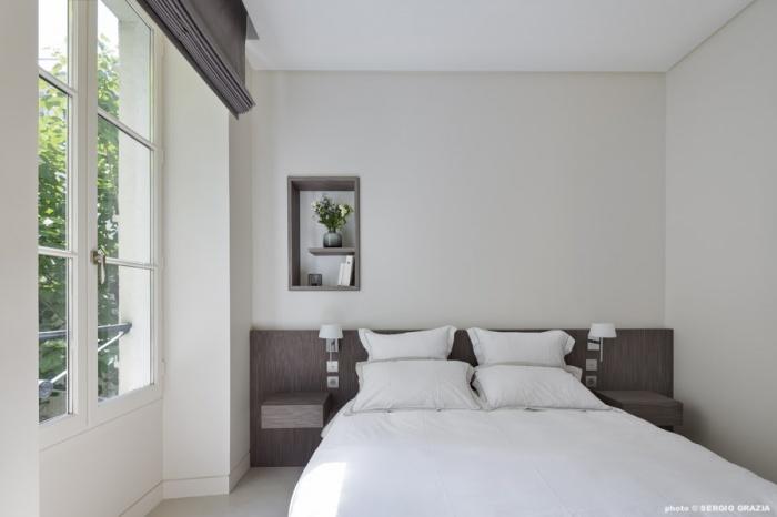 Appartement contemporain à Saint Germain des Prés : Chambre parentale