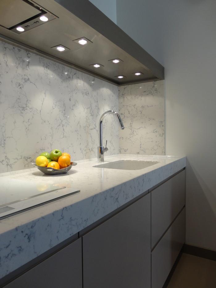 Appartement Paris VIIe : zoom cuisine 1