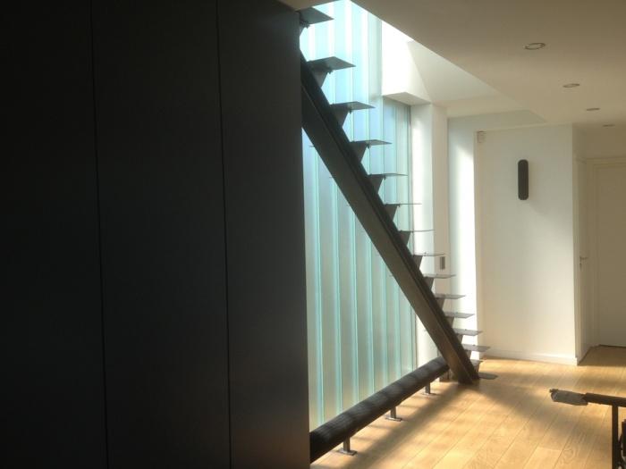 VILLA BELLEVUE : Escalier reliant le 1er étage au 2eme.