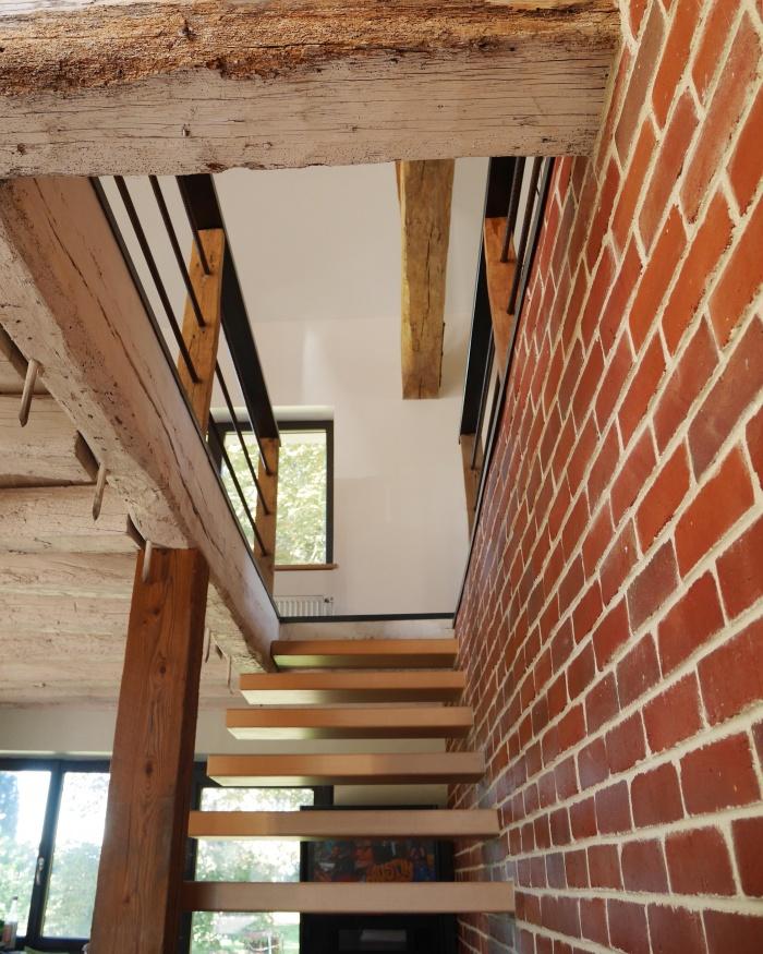 Transformation d'une grange en loft : Briques