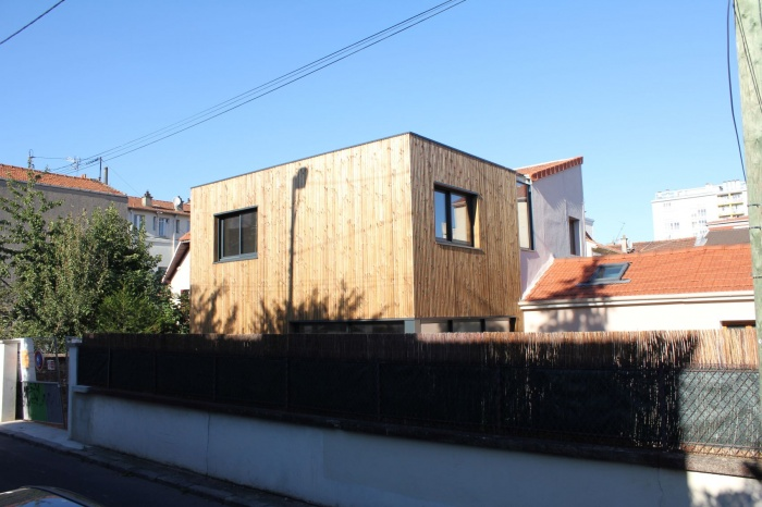 Rénovation et extension de maison, construction à ossature bois : 08_depuis la rue.JPG