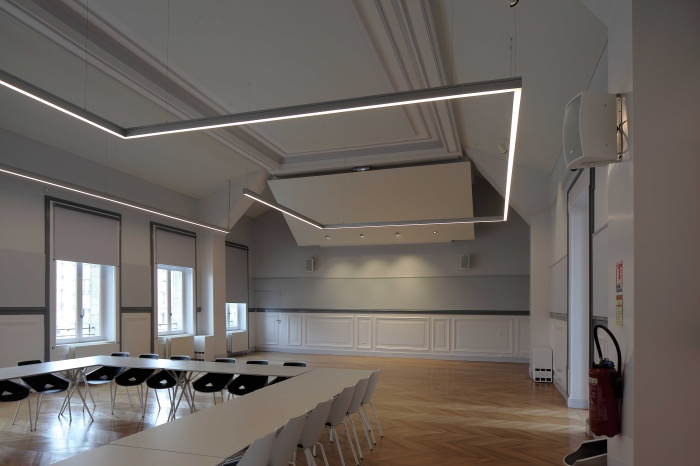 Salle polyvalente dans un lycée parisien : 200_7663Salle-Colbert