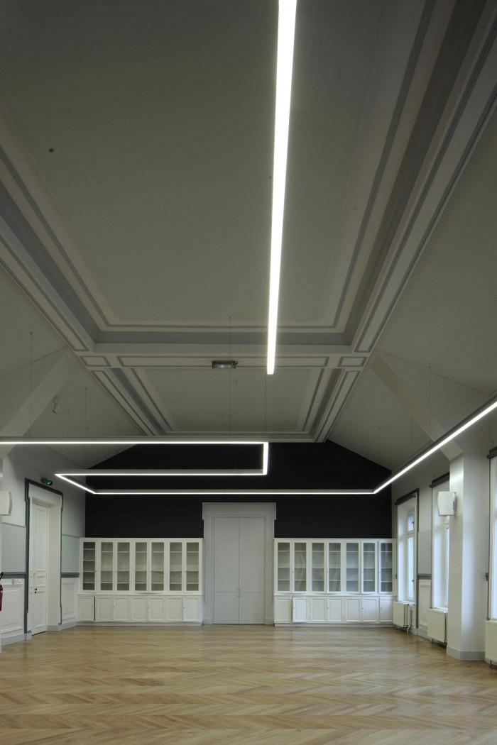 Salle polyvalente dans un lycée parisien : IMG_7310Salle-Colbert-matin
