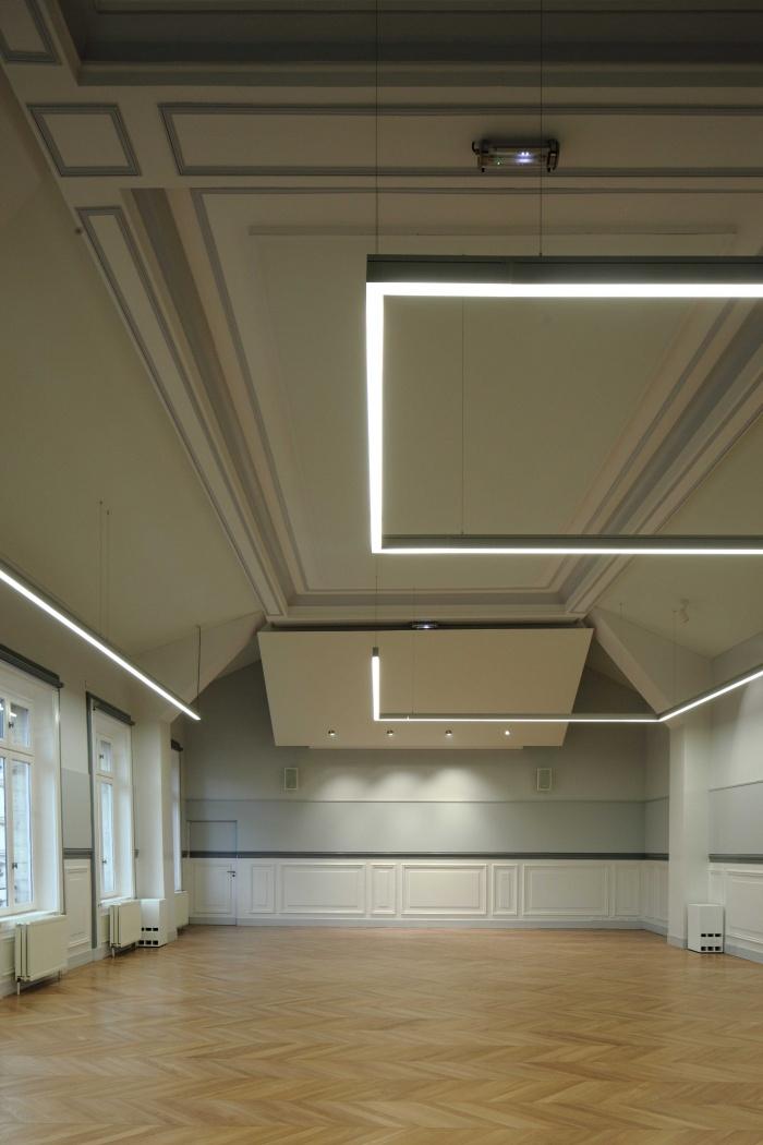 Salle polyvalente dans un lycée parisien : zMG_7281Salle-Colbert-matin