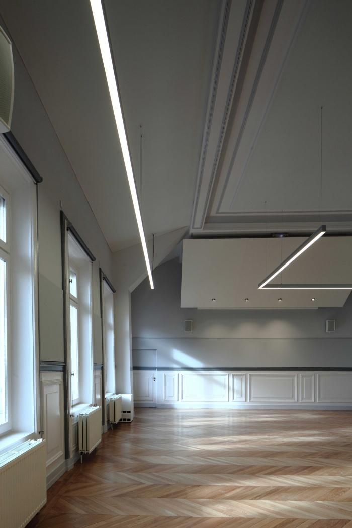 Salle polyvalente dans un lycée parisien : zMG_7342Salle-Colbert-matin